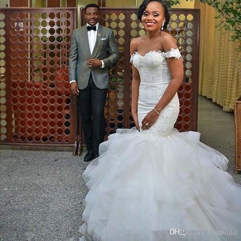África Fora Do Ombro Sereia Vestidos de Casamento Elegante Applique Ruffles Capela Trem Tulle Rendas Até Custom Made Vestidos De Noiva Estilo Country