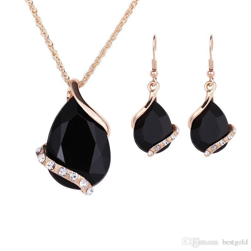 Elegante joyería chapado en oro collar conjunto moda celta diamante boda nupcial traje de joyería establece partido rubí Jewelrys collar + pendientes