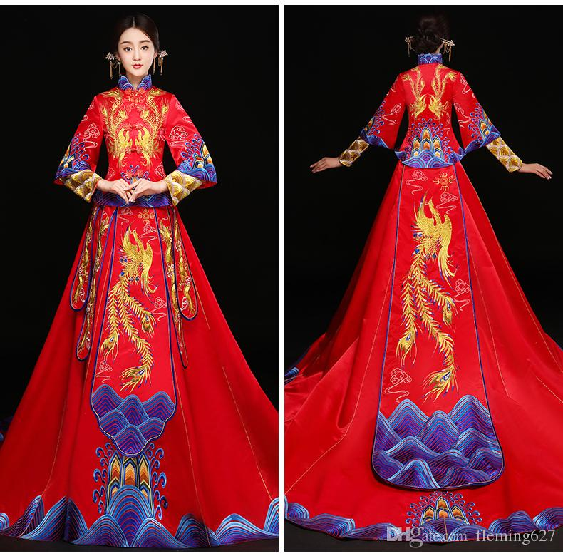 High Quality China traditional elegant bride wedding cheongsam dress Chinese dragon phoenix Suzhou Embroidery gown Fashion show
