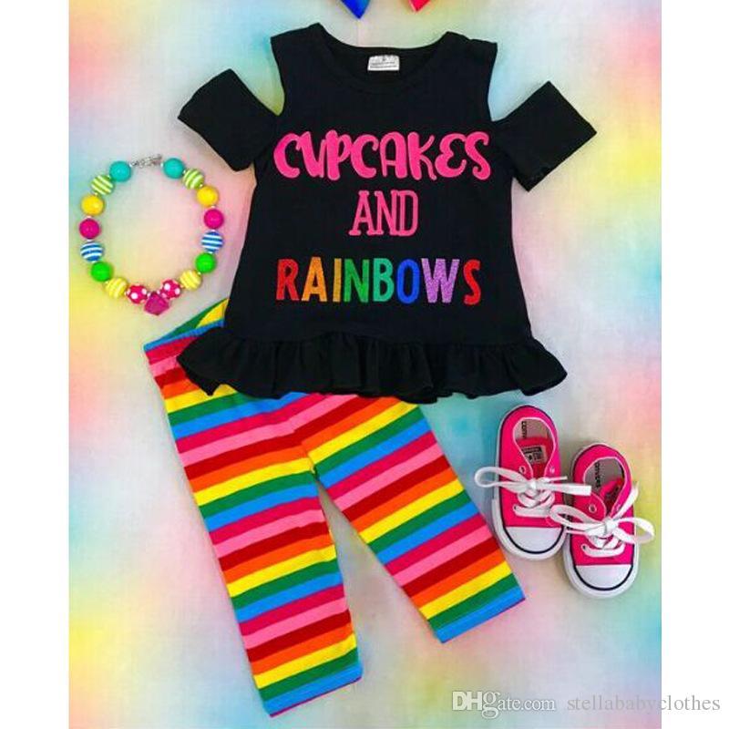 2018 Moda Çocuklar Bebek Kız Kapalı Omuz Mektubu Baskılı T-shirt Tops ve Gökkuşağı Çizgili Pantolon Giyim Seti Ücretsiz Gönderi