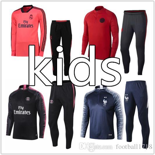 Compre 2018 Paris Crianças Treino De Futebol Kit CR7 JR Ronaldo Real Madrid  Treino Fatos De Treino Francês Messi Survetement Maillot Criança Conjunto  De ... 0f35f6aca38b1