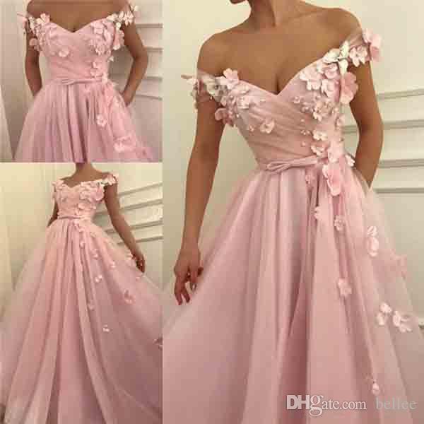 2018 Vestidos de baile rosa Una línea fuera del hombro Barrer vestidos de noche del tren con apliques 3D Beads Vestidos formales del partido