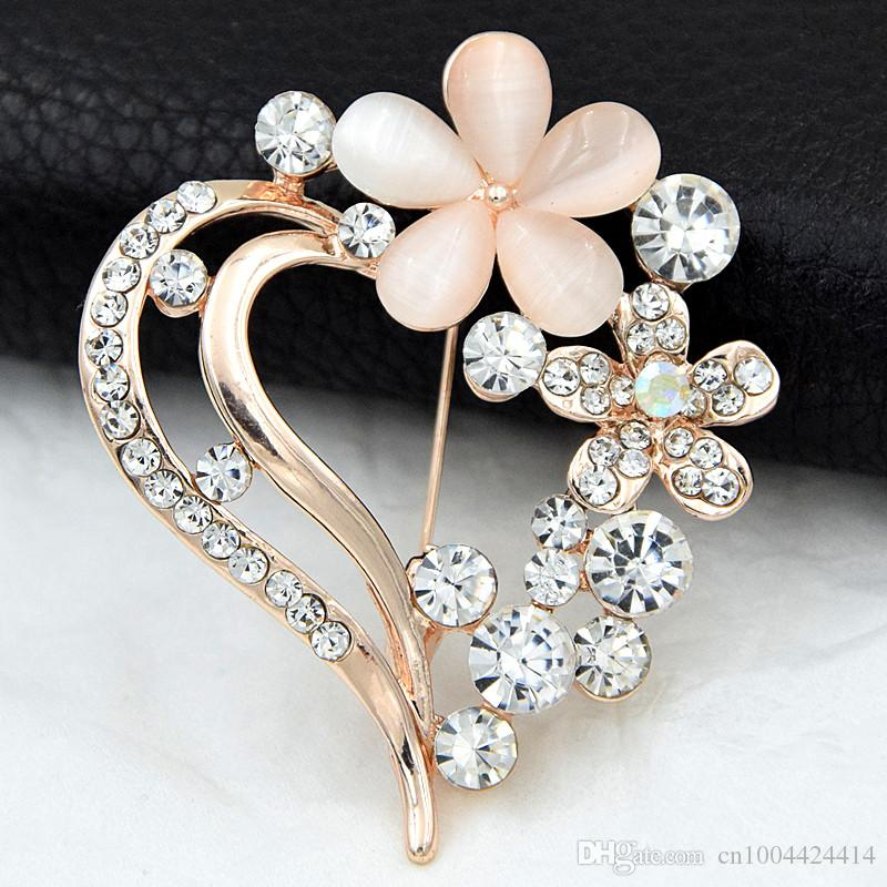 Amazing Opal Stone Hear Brooch Stunning Clear Diamante Crystals Flower Brooch Hot Selling Romantic Style Lapel Pin For Lovers Pretty Corsage