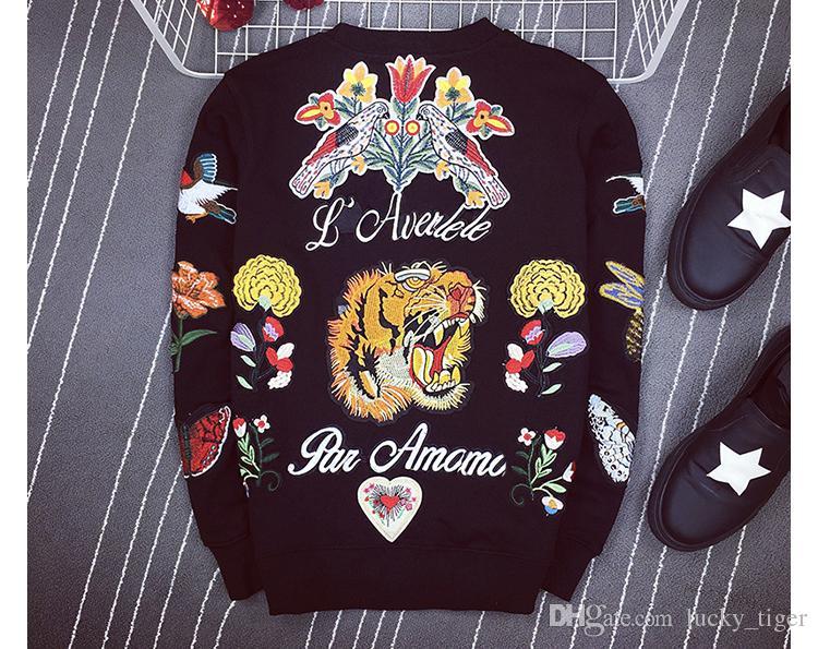 aaf348715 Compre Hombres Camiseta De Polo De La Marca Snake Bordado Cuello Moda  Camiseta De Manga Corta Camiseta Hombres Rayas Amantes Polo Niñas Mujeres  Hombres A ...