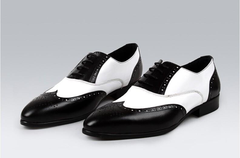 c1055d8e Compre Zapatos De Cuero Oxfords Blanco Negro Para Hombre En Dos Colores  Elegantes Zapatos De Vestir Wingtip Zapatos Novios Boda Negocio De La Moda A  $158.55 ...