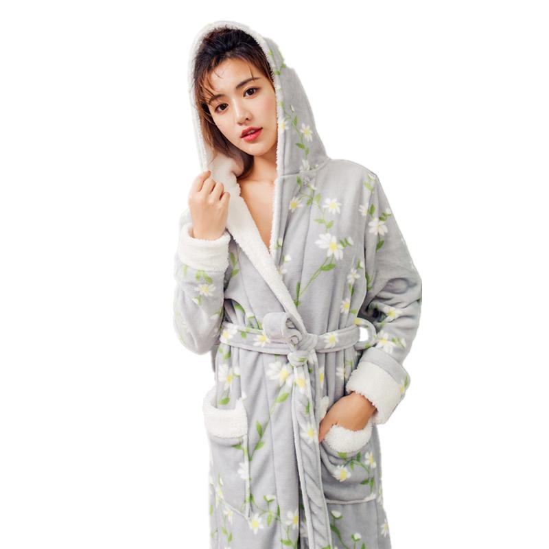 337f051a15 2019 Fashion Robe Sleepwear Women Flannel Print Robe Homewear Winter  Nightgown Robes For Ladies From Tutucloth