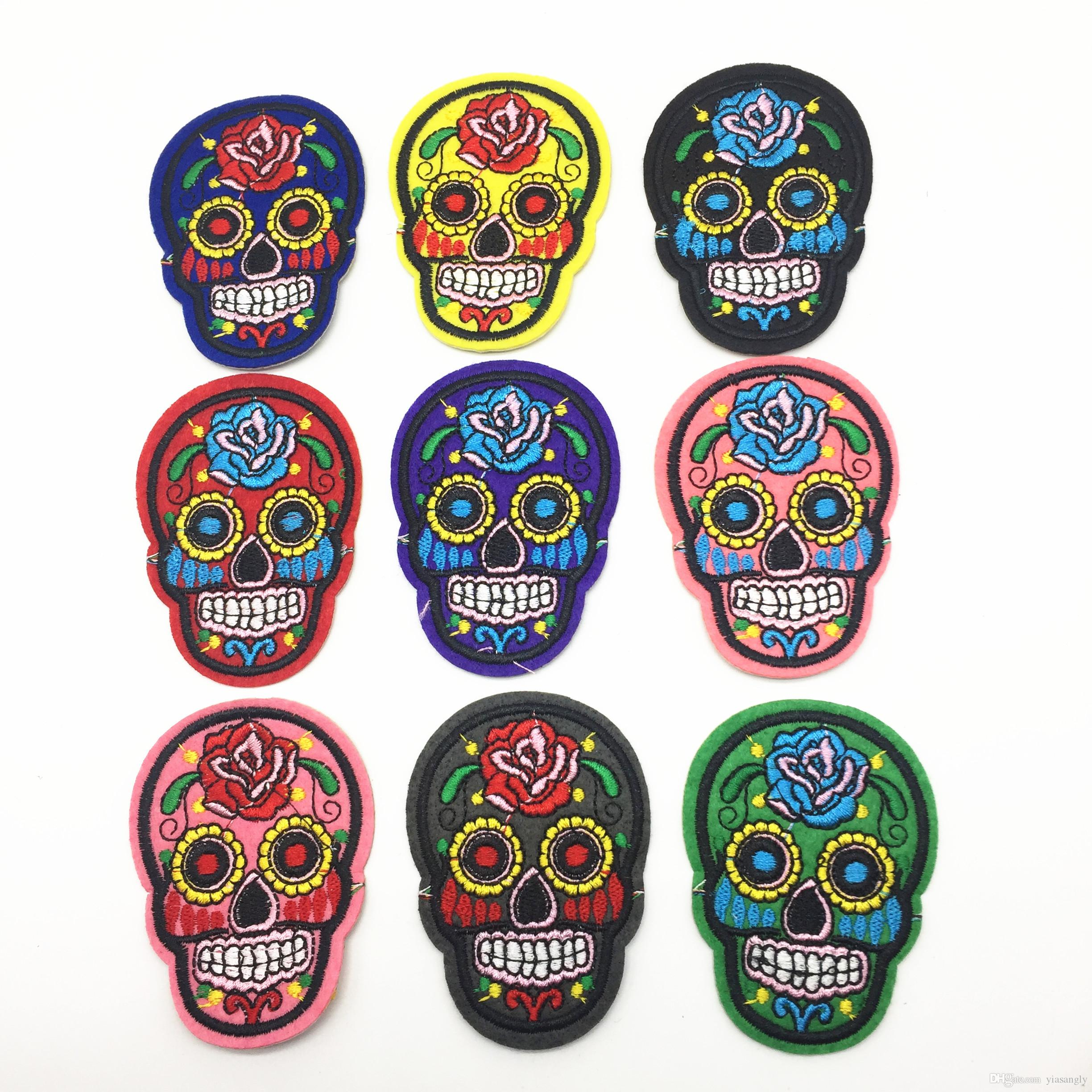 15pcs Misto Skull Clothes Patch FAI DA TE Scheletro Patch ricamate di ferro su tessuto Badge Sew On Cloth adesivi