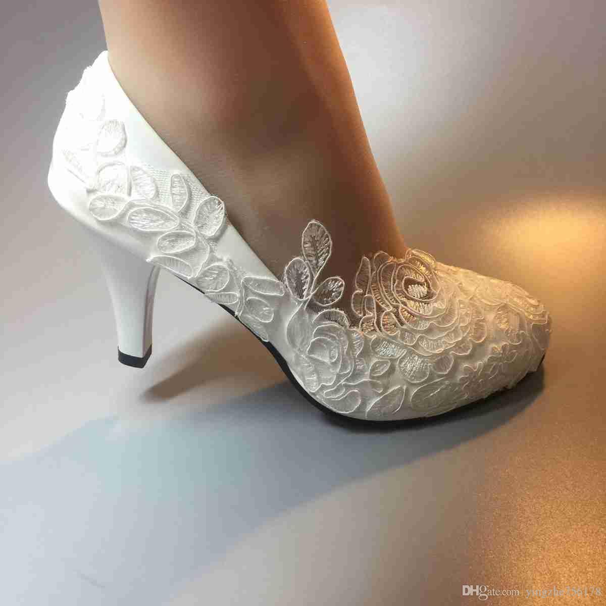 Usaflex Calçados Handmade Mulheres Moda Fita Branca Sapatos De Casamento  Calcanhar Ballet Lace Flor Nupcial Da Dama De Honra Sapatos Tamanho UE 35  42 Besni ... fbf2908ea5