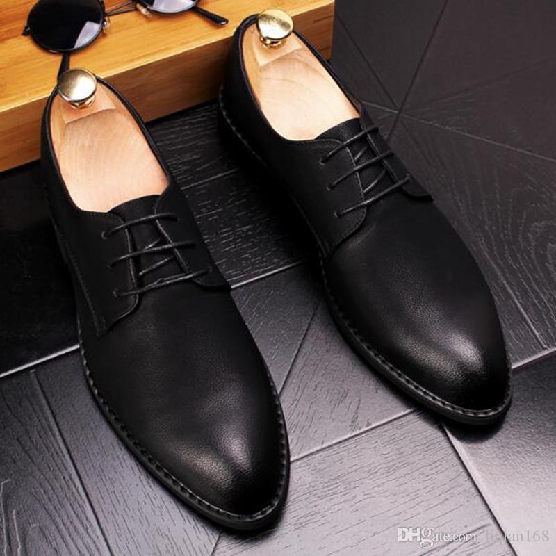 Scarpe da uomo a punta in pelle Scarpe da passeggio rosa ricamate. Design unico alla moda Scarpe Oxford confortevoli e traspiranti.