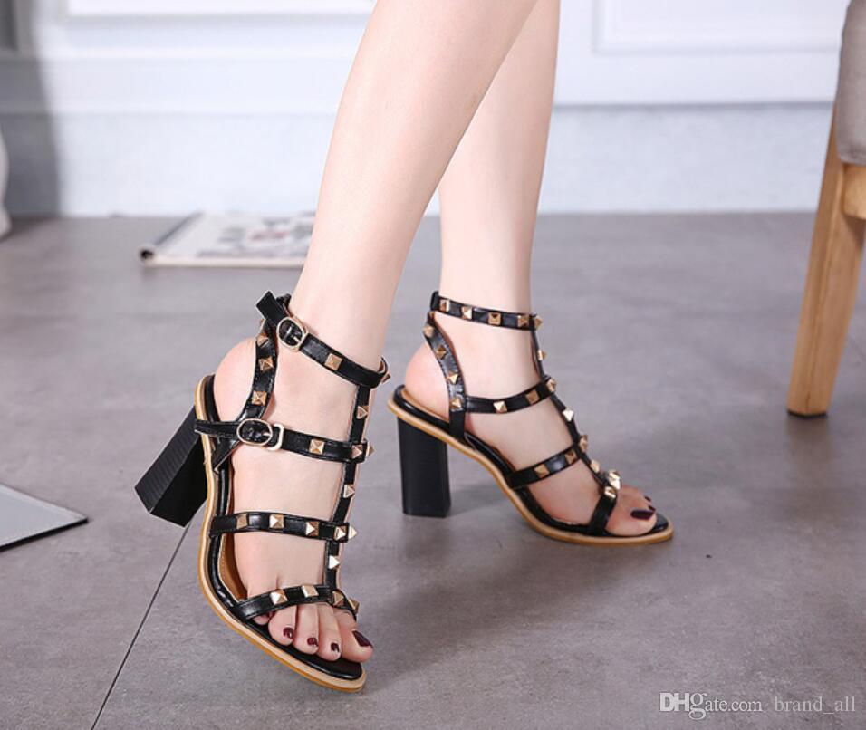 719ab982b59a7 Acheter Épais Talons Noir Nude Bretelles Femmes Gladiateur Sandales  Chaussures 2018 Été Rivets Robe Mode Chaussures Piste Cloutée Sandale Femme  Chaussures ...