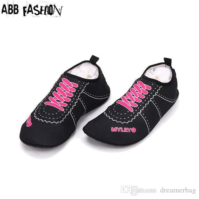 Wholesale-Hot Sale Women Men Flats Sandals Shoes Swimming Shoe ... 0dd82e97dd1f