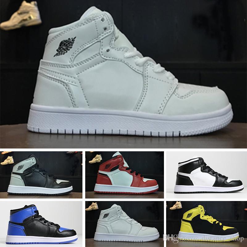 sports shoes f4894 712d5 Großhandel Nike Air Jordan 1 Retro 2018 Kinder 1s Basketballschuhe Kinder  Junge Mädchen 1 Zucht Schwarz Rot Weiß Turnschuhe Kinder  Geburtstagsgeschenk EUR ...