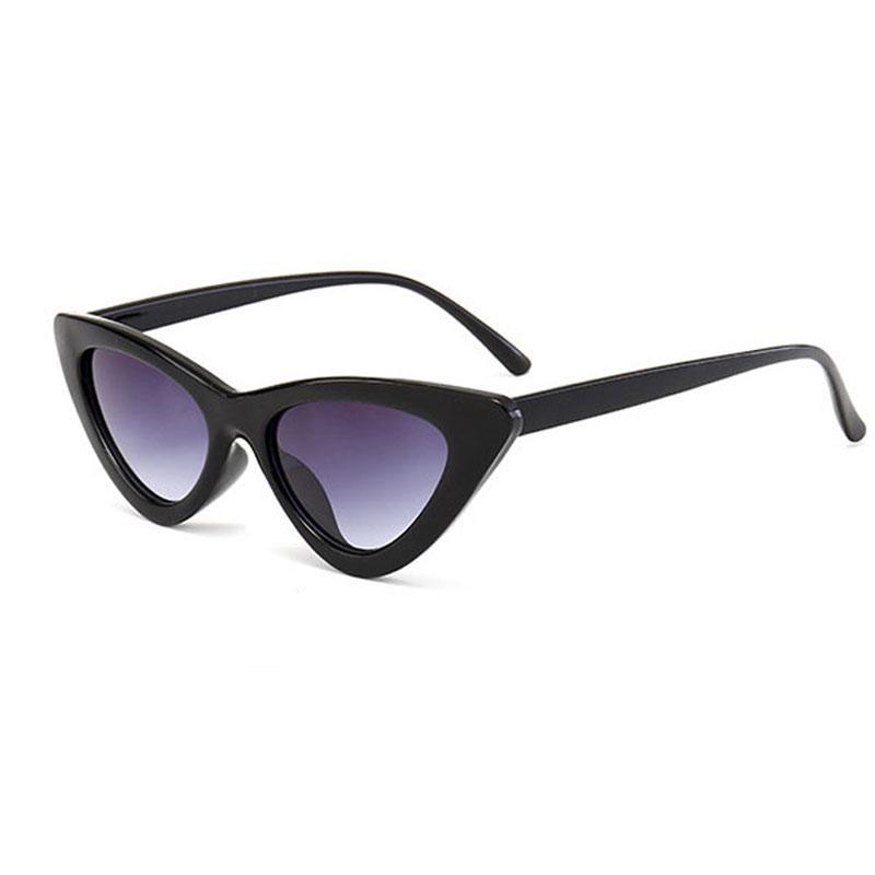Compre Cat Eye Sunglasses Para Mulheres Retro 2018 Designer De Marca De  Luxo Cat Eye Sunglasses Mulheres Gradiente Do Vintage Feminino Óculos De  Sol De ... ec7a509a52