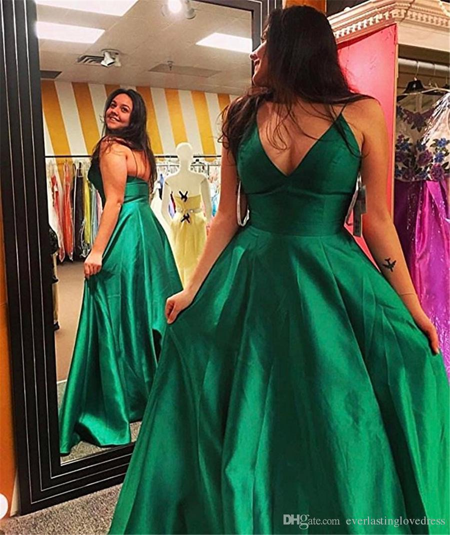 스파게티 스트랩 A 라인 V 넥 바닥 길이 새틴 이브닝 드레스 민소매 Ruffles 댄스 파티 드레스 간단한 Long Formal Dress