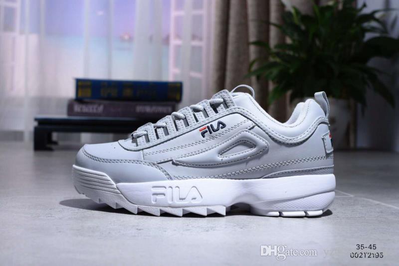 586ac690168a4 Compre 2018 Original Fila 2 Ii Hombres Zapatos Para Correr Triples Negro  Blanco Rosa Hombres Entrenadores Mujeres Zapatos De Diseñador Aumento De  Zapatillas ...