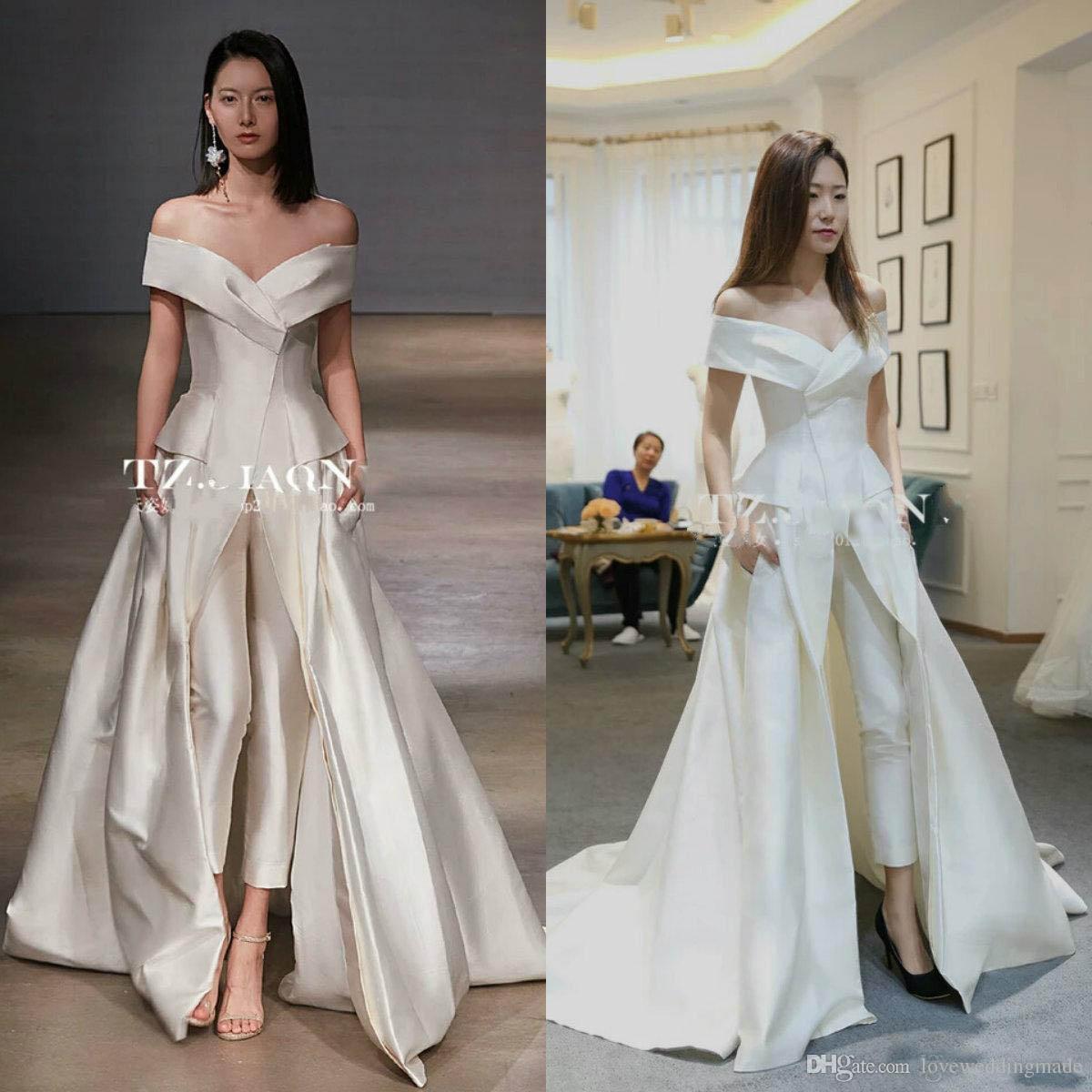 a4f90a42e Vestidos Sociais Curtos 2018 Moda Elegante Branco Vestidos De Noite Macacão  Calças Fora Do Ombro De Cetim Longo Formal Vestidos De Festa Zuhair Murad  ...