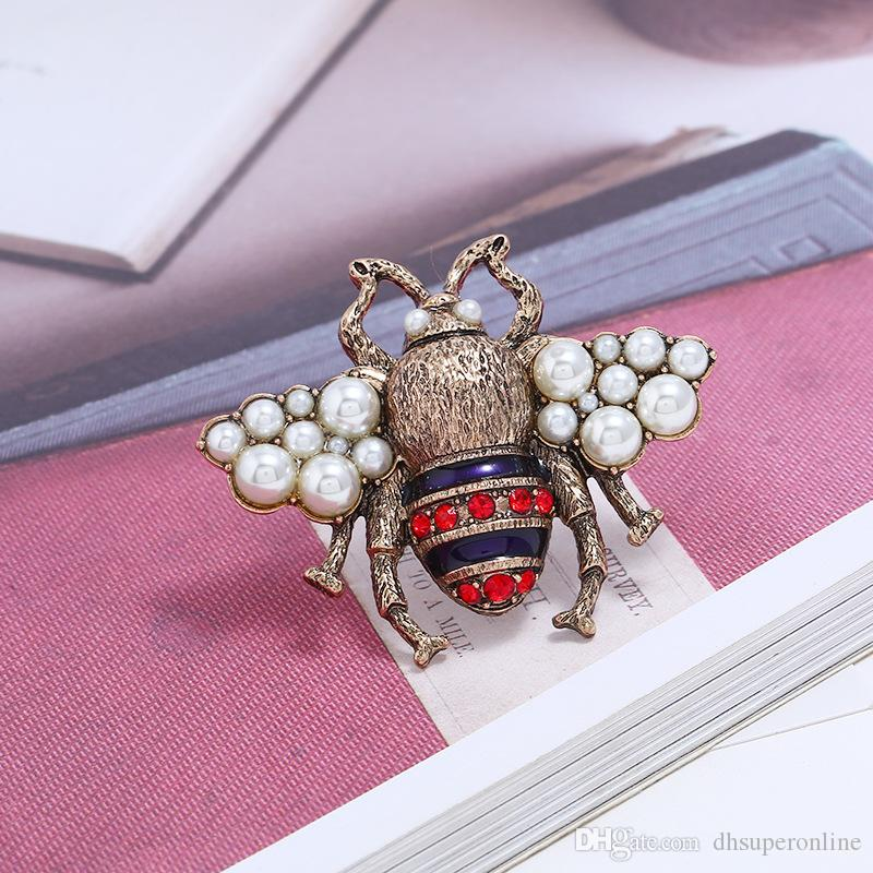 2018 New Crystal Clothing Brooch Retro Cute Bee Pearl Pin Alloy Gemstone Brooch Fashion Quality Jewelry Women Gifts Spot