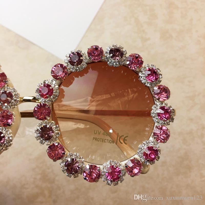 Модный бренд дизайнер круглые солнцезащитные очки женщины роскошный красный горный хрусталь негабаритные пляжные солнцезащитные очки женские винтажные оттенки óculos