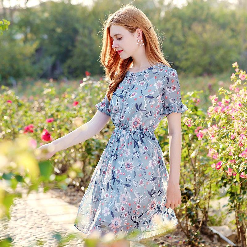 fce32e1eadbb Vestido de gasa estampado azul dulce elegante verano fresco Vestido de  viaje corto de citas fino fresco Marca Boutique de una línea de vestidos de  ...
