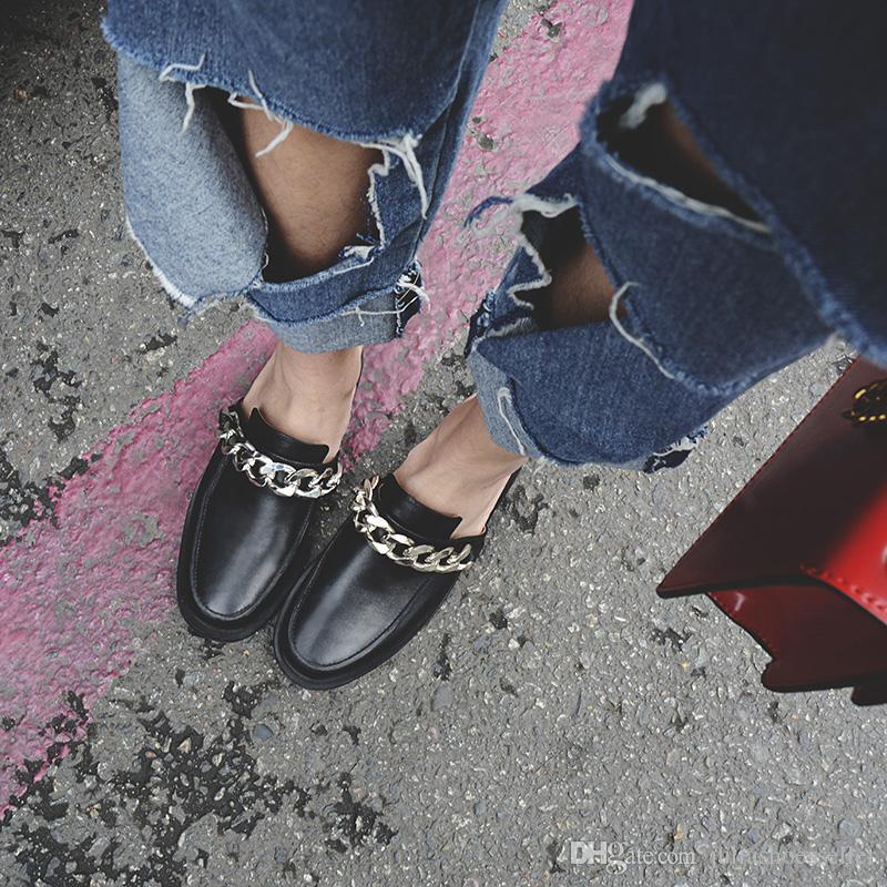 Primavera Outono Mulheres Correntes de Prata Sapatos de Mula de Couro Macio Interior Chinelos Exterior Venda Quente Casuais Mocassins Planos Mulher Sapatos