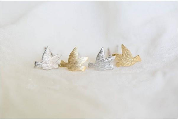 2018 Мода золотые серьги форма птица Стад серьги для wome Оптовая бесплатная доставка