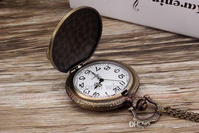Hot Sale Pocket Watch Wholesale Retro Alloy Motorcycle Carved Pocket Watch Digital Dial Quartz Watch For Men Women