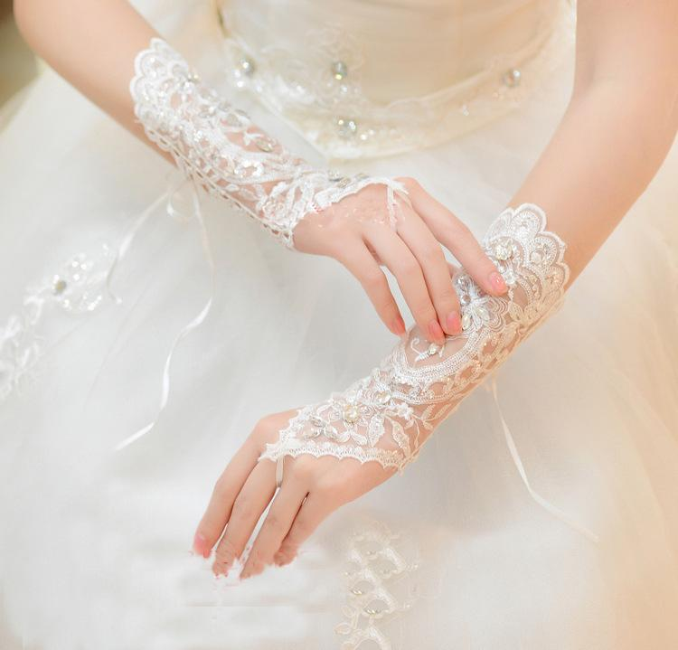 2018 Cheap Free Size White Fingerless Rhinestone Lace Bridal Wedding Gloves Wedding Accessories
