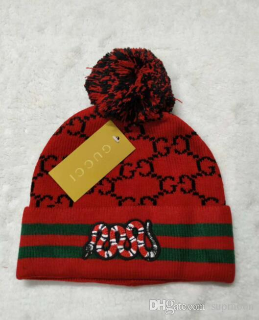 Compre Calidad Superior De Serpiente Sombrero Rojo Unisex Gorros Hombres  Otoño Invierno Casual Sup Marca De Punto Sombrero Bordado Carta Dama Pom  Pom Sup ... 7af4372fbbe