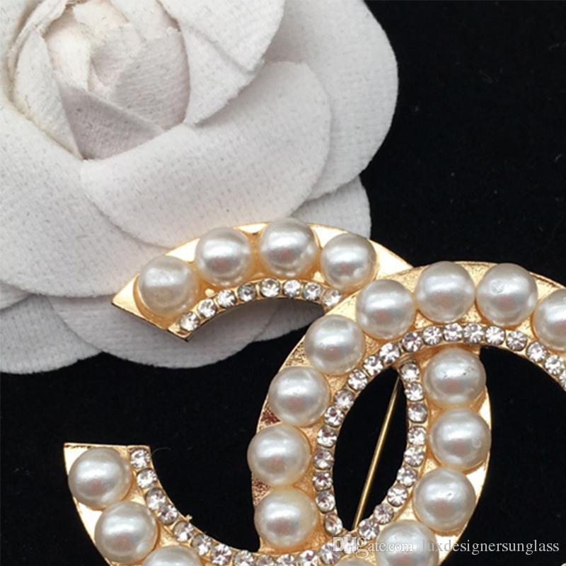 4a0fd8a5de7 Multistyle Letters Luxury Brooch Rhinestone Pearl Designer Brooch ...