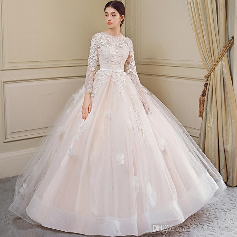 9ad4415bc5 Wedding Dress Bride 2018 New Word Shoulder American And European Princess  Dreamy Tail Light Show Thin Out Of The Veil Of The Daughter.