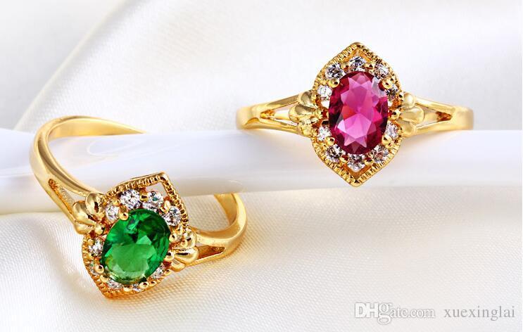 Neue Ankunft Top-Qualität 18K Gold vergoldet Ring für Frauen mit Rubin und Smaragd Freundin Geschenk gesetzt