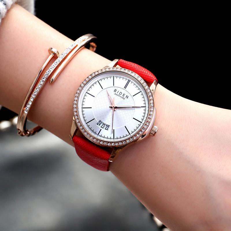 Compre Moda Acero Tachonado Correa De Cuero Reloj De Mujer AliExpress  Relojes Más Vendidos A  46.37 Del Haihuanghe  9820dcc20d7b