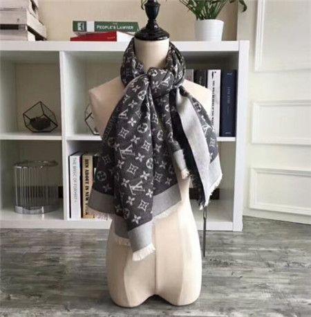 Acheter Mode Luxe Soie Châle Écharpes Hijab Femmes Vente Chaude Designer  Dot Écharpe En Satin À Carreaux Imprimé Pour Le Printemps Été Automne Hiver  Écharpe ... ad38c48eee8