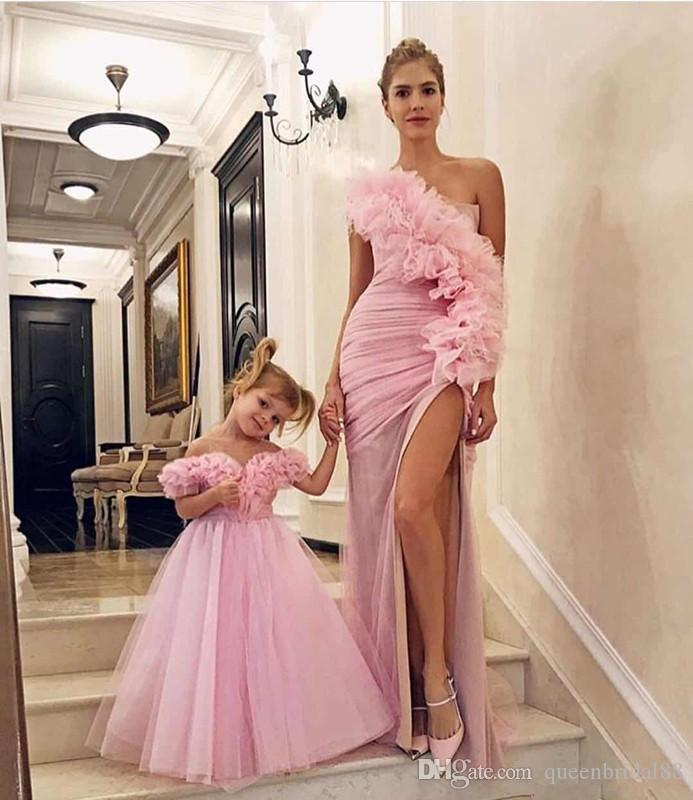 Fashion 2019 Mother of the Bride Dresses Ruffles Neckline Long Tulle Flower Girls Dresses for Weddings Zipper Back Party Gowns