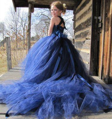f1101848ef646 2018 new spring high-end children's tail wedding dress / girl performance evening  dress / European and American high-quality girls dress