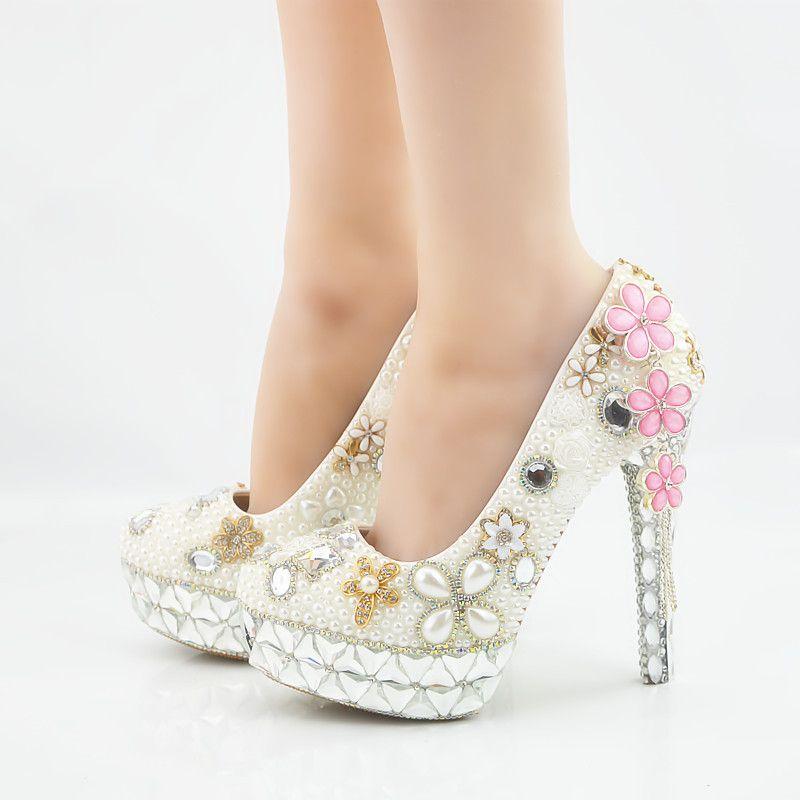 8bce13e431 Compre Moda Plataforma De Cristal Borla Trevo De Salto Alto Branco Pérolas  Sapatos De Casamento De Noiva Dedo Do Pé Redondo De Salto Alto Sexy Party  Prom ...