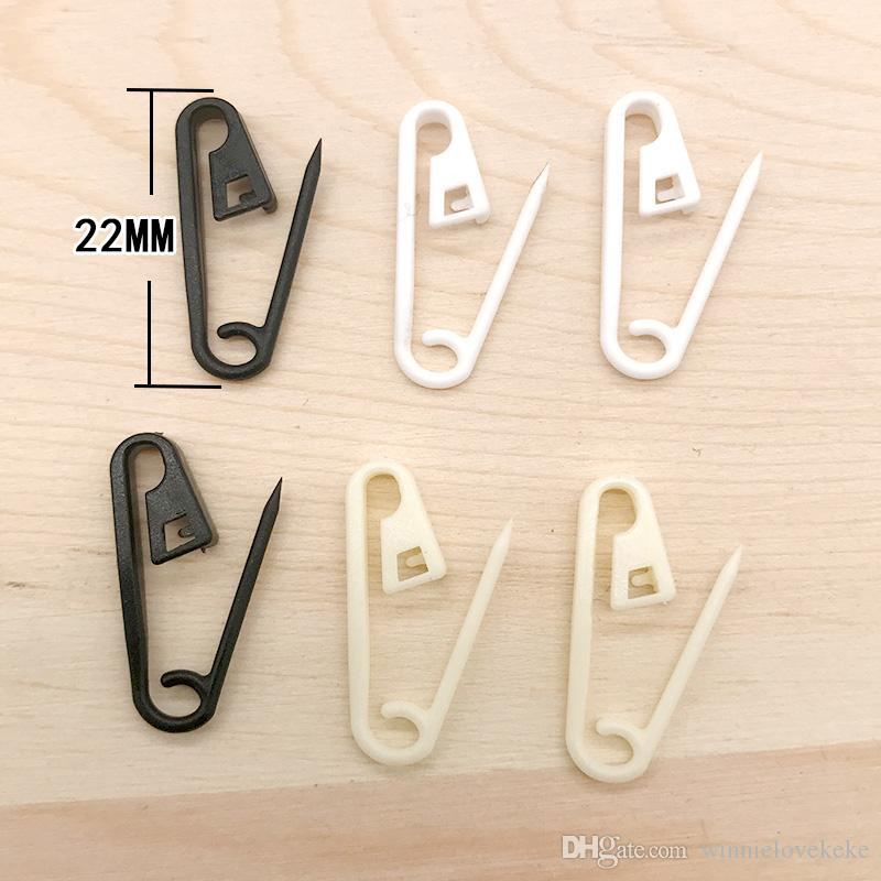 colorful plastic safety pin in 22m in good for Craft and hang tags