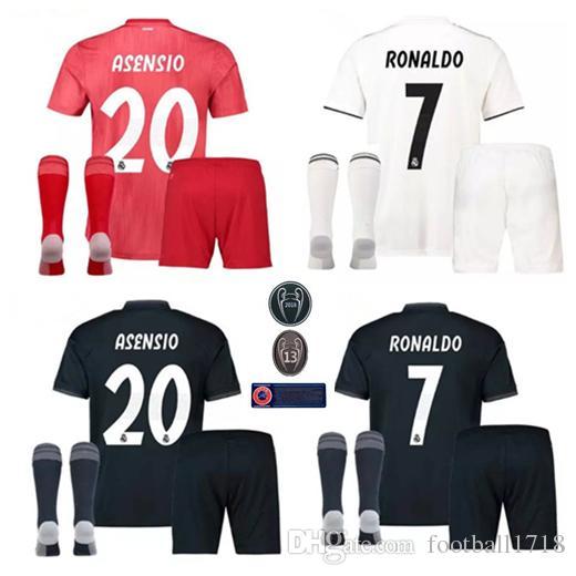 Compre 17 18 19 Real Madrid Kit Camisas De Futebol 2018 2019 RONALDO  BENZEMA BALE Camisetas De Futbol ISCO MARCELO KROOS MODRIC Camisas De  Futebol Kits De ... d32ec8593614c