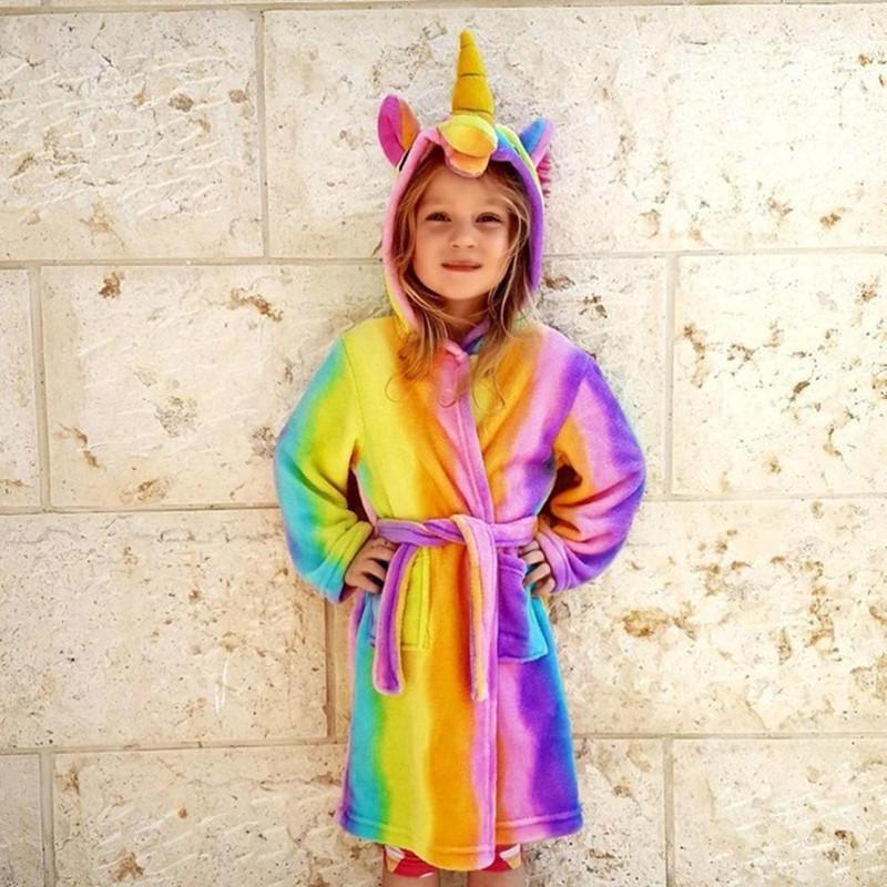 a1e802ec7728d2 Großhandel Bademantel Für Mädchen Pyjamas Baby Bademantel Robbe Enfant  Regenbogen Einhorn Muster Hoodies Roben Kinder Nachtwäsche Kinder Tierkaro  Robe ...