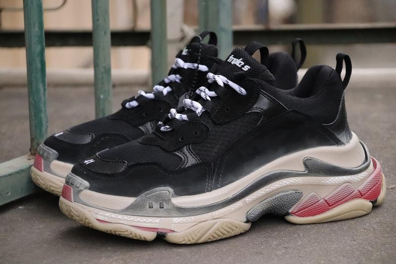 R29Balenciaga Triple S Speed Trainer Black White Red Authentic Sneakers  Running Shoes Sneakers Originals 2018 Bestsellers Basketball Shoes For  Women Cool ... 59548d0b2132