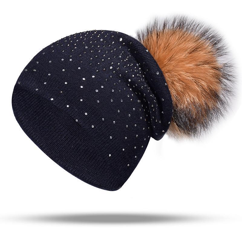 Acheter 2019 Chapeau De Femmes Bonnets Chapeaux D hiver Pour Les Femmes  100% Fourrure De Raton Laveur Pompom Hat Femme Tricoté Skullies Cap  Fourrure Bonnet ... 2eb85468074
