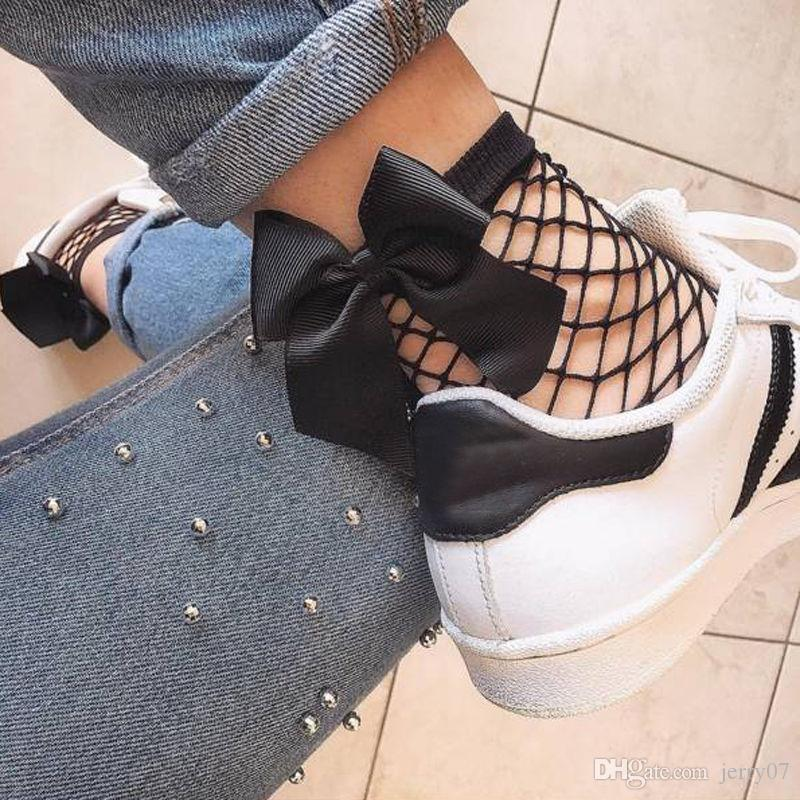 2018 Fashion Hollow Out Women Ruffle Fishnet Ankle High Socks Woman ... 8cb6680dac16