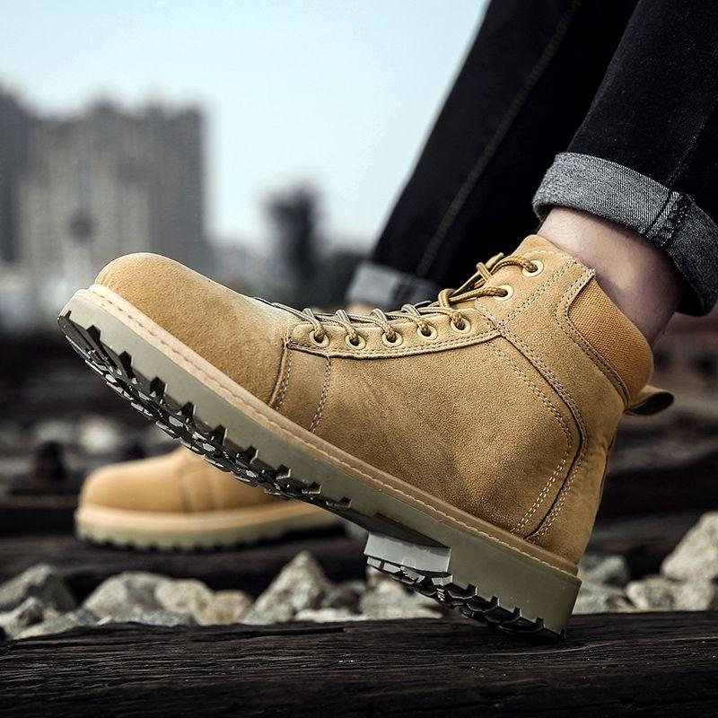Compre Homens Primavera Outono Moda Nubuck Couro Tornozelo Sapatos Ao Ar  Livre Deserto À Prova D  Água Sapatos Preto Amarelo Caminhadas Martins Mens  Botas ... 5ccff9ef0ab66