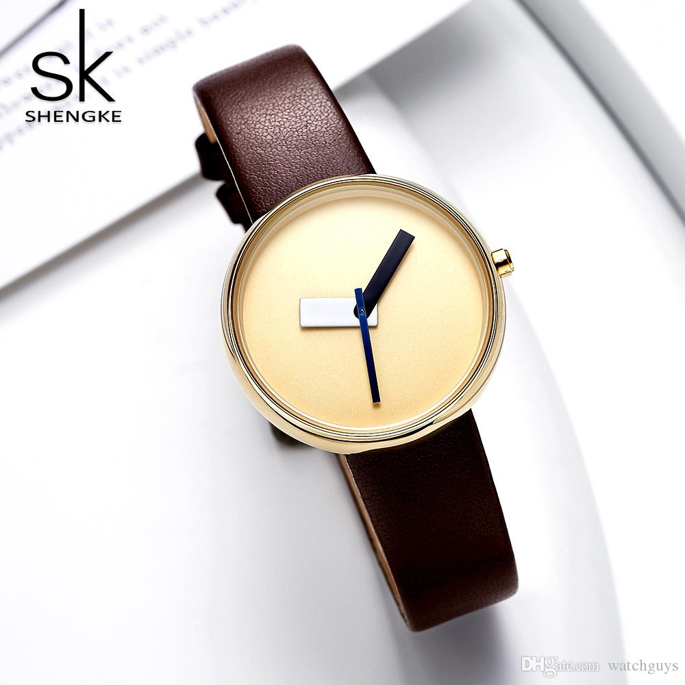 16e87d2cd3c Compre Shengke Top Marca De Luxo Mulheres Simples Relógio De Pulso De Couro  Marrom Assista Mulheres Causal Estilo De Design De Moda Relógios Femininos  De ...