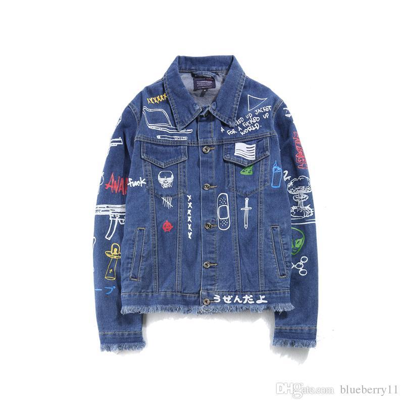 Acquista Graffiti Donne Dipinte A Mano Uomo Giacche Di Jeans Mens 2017  Harajuku Stampato Jeans Cappotto Hip Hop Giacca Di Jeans Casual Cappotti  Nero Blu M ... 13a9eacd585