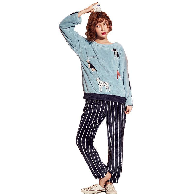 8cf69d5b18 Compre Nueva Llegada 2018 Invierno Pijamas De Franela Lindos Dama De Manga  Larga Versión Coreana Del Conjunto De Pijama De Terciopelo De Niña Pijama  De ...