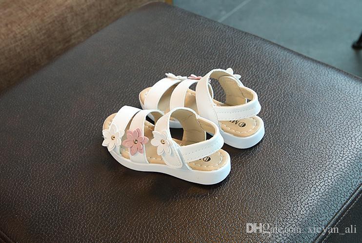 sale retailer 60692 354c5 scarpe-classiche-per-bambini-con-scarpe-col.jpg