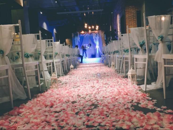 2018 Romantique élégant en plein air Wedding Chair ruban ceintures avec boucle Anniversaire Événement Cour chaise couverture Décor Wedding Chair Bows