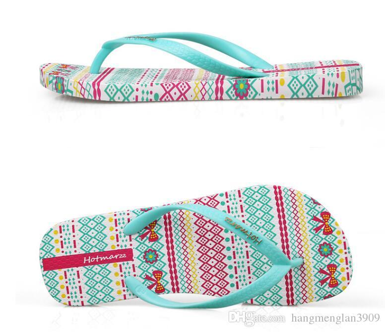 Hotmarzz Mulheres Flip Flops Moda Slides Chinelos de Verão Para Casa Praia Sapatos Pantufa 2018 Senhoras Sandálias de Tanga Plana Sapatos Mulher