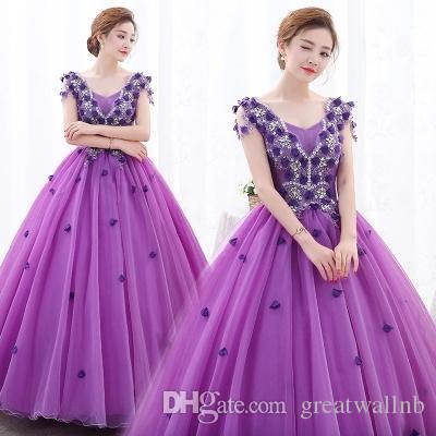 a830192b3ebab Luxus lila Stickerei Ballkleid mittelalterlichen Kleid Cartoon Prinzessin  mittelalterlichen Renaissance Kleid Königin Cosplay Victoria Kleid.